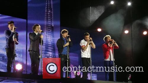 One Direction kick off their Take Me Home...