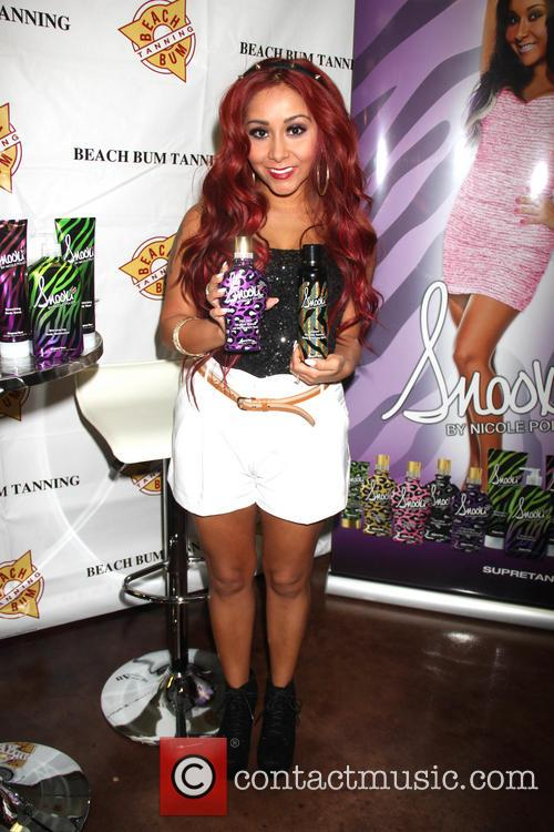 "Nicole ""Snooki"" Polizzi launches a new tanning lotion at Beach Bum Tan"