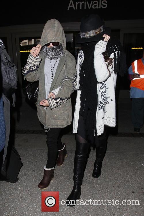 Vanessa Hudgens and Selena Gomez 10