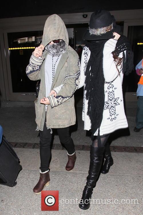 Vanessa Hudgens and Selena Gomez 15