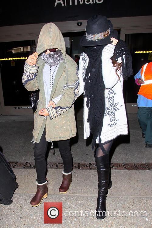 Vanessa Hudgens and Selena Gomez 22