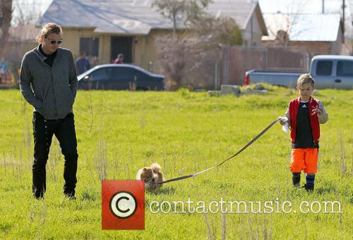 Gavin Rossdale, Kingston Rossdale and Dog 2