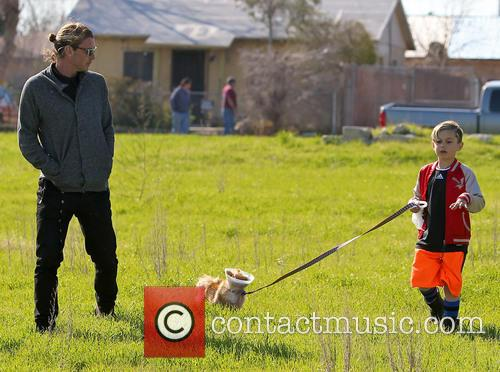 Gavin Rossdale, Kingston Rossdale and Dog 4