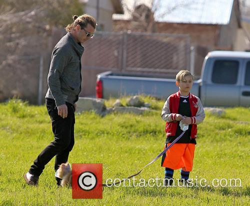 Gavin Rossdale, Kingston Rossdale and Dog 5