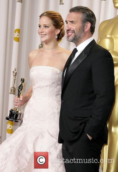 Jennifer Lawrence and Jean Dujardin 5