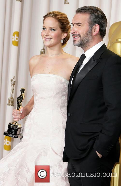 Jennifer Lawrence and Jean Dujardin 7