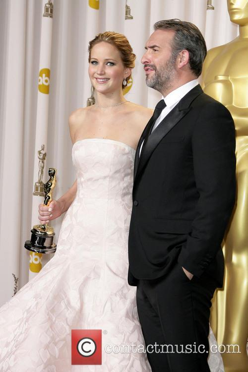 Jennifer Lawrence and Jean Dujardin 11