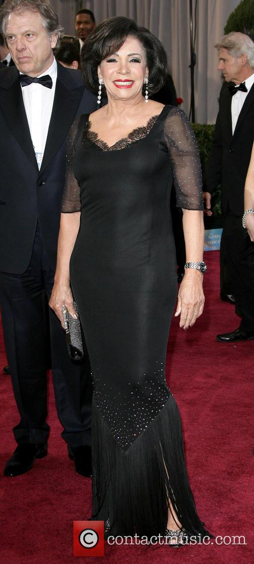 shirley bassey oscars red carpet arrivals 3525320