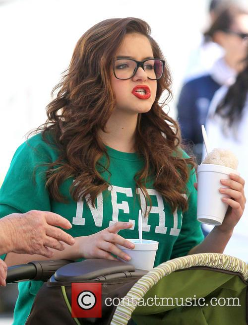 Ariel Winter and City Farmers Market 4