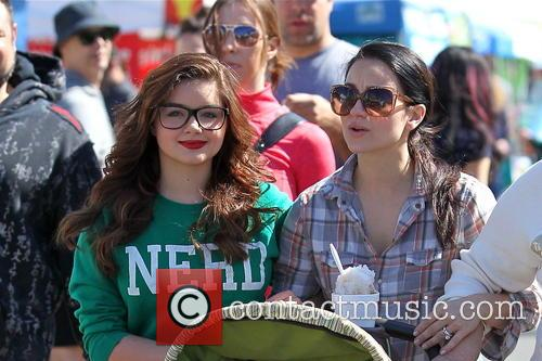 Ariel Winter and City Farmers Market 10