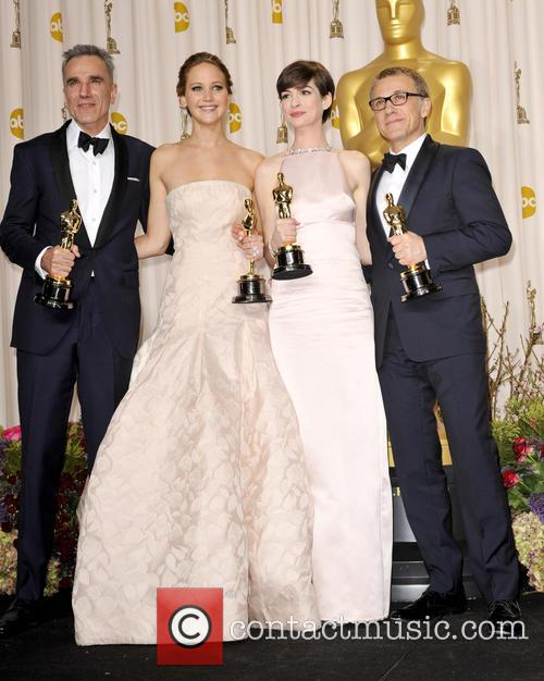 Daniel Day-lewis, Jennifer Lawrence, Anne Hathaway and Christoph Waltz 8