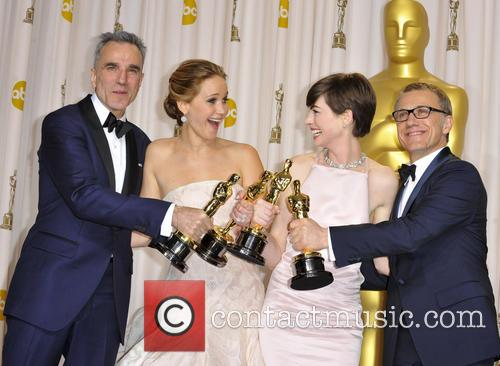 Daniel Day-lewis, Jennifer Lawrence, Anne Hathaway and Christoph Waltz 10