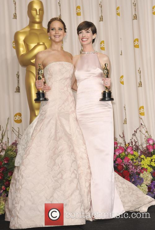 jennifer lawrence anne hathaway the 85th annual oscars 3525277