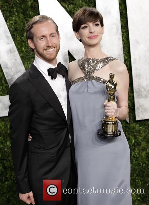 Adam Shulman and Anne Hathaway 8