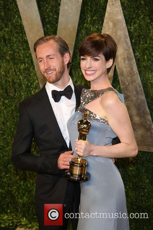 Anne Hathaway and Adam Shulman 5
