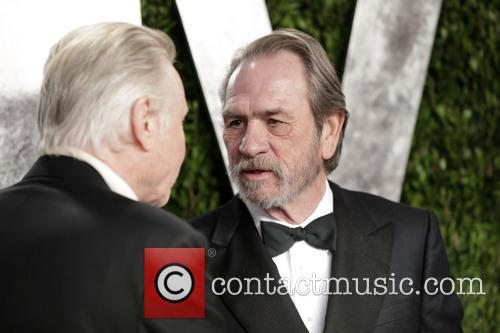 Jon Voight and Tommy Lee Jone 2