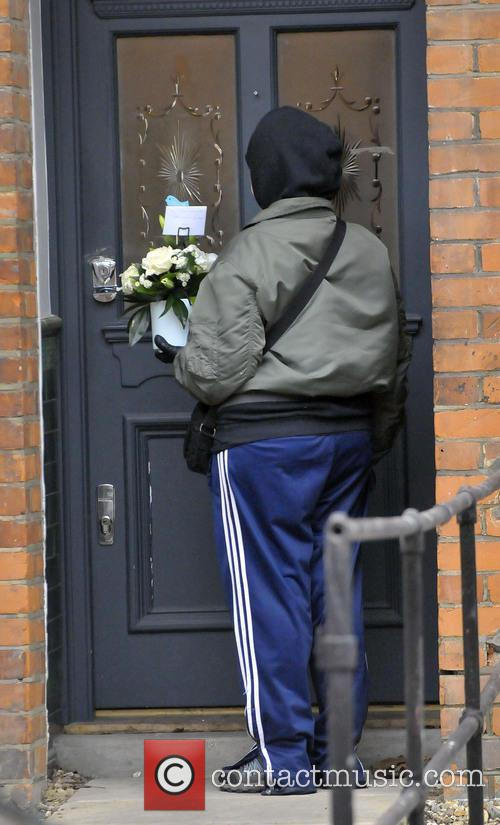 Fearne Cotton and A Courier Delivers Flowers 6
