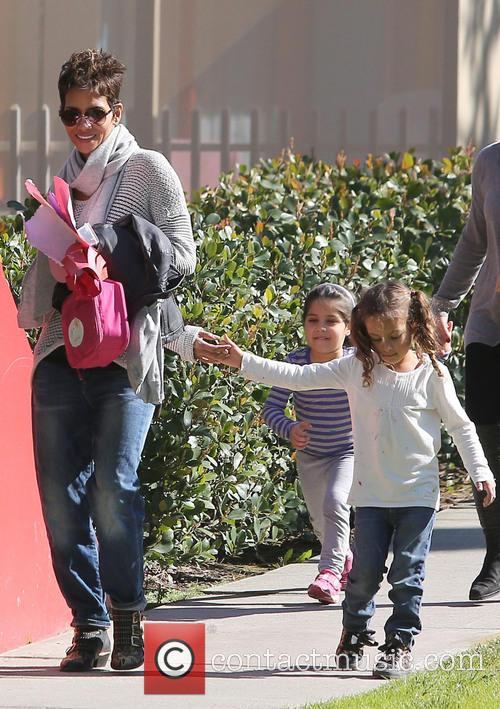 halle berry nahla aubry halle berry collects her 3528470