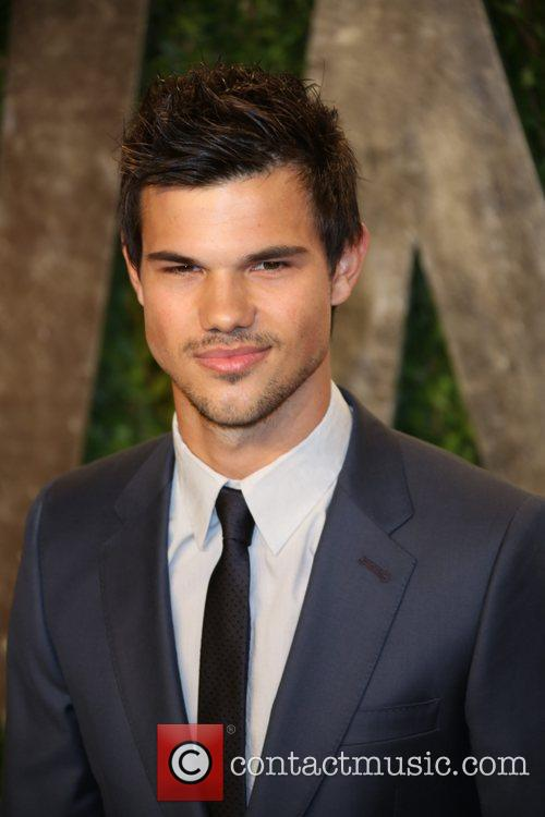 Taylor Lautner, Sunset Tower