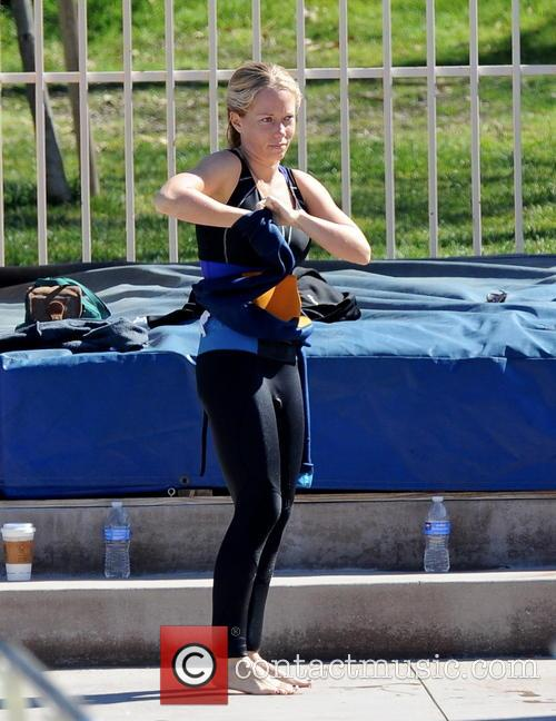 kendra wilkinson celebrities practice their dives for 3529976