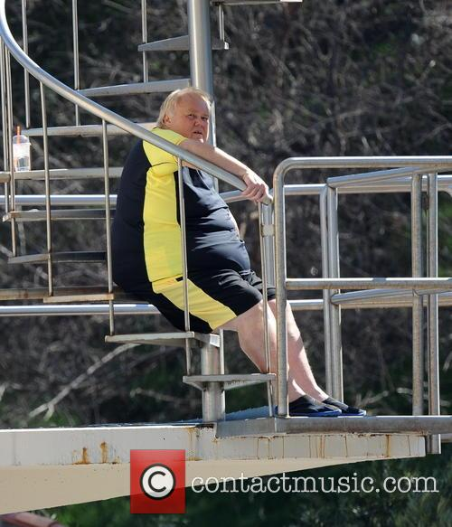 louie anderson celebrities practice their dives for 3529982