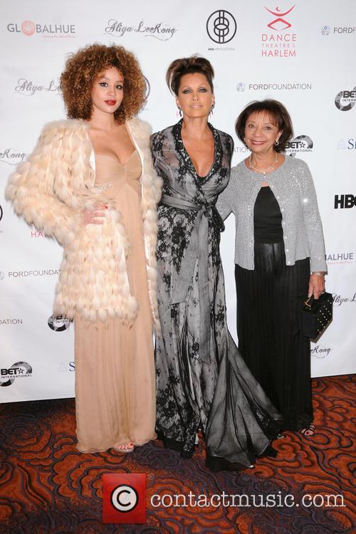Jillian Hervey, Vanessa Williams and Helen Williams
