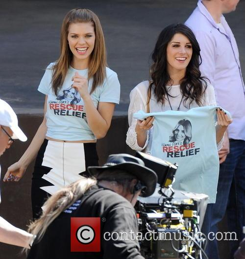 AnnaLynne McCord and Shenae Grimes 10