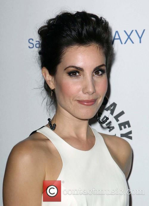 Carly Pope 5