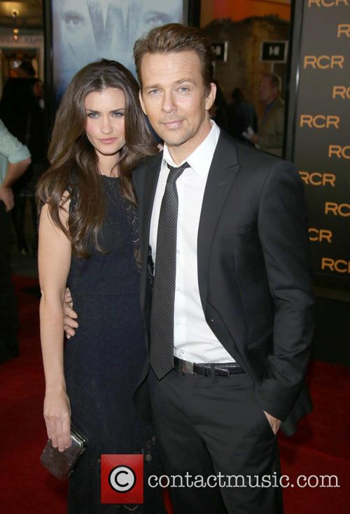 Sean Patrick Flanery and His Wife Lauren Flanery 3
