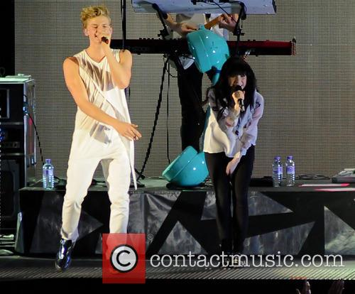 Cody Simpson and Carly Rae Jepsen 5