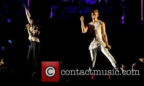 Cody Simpson and Carly Rae Jepsen 7
