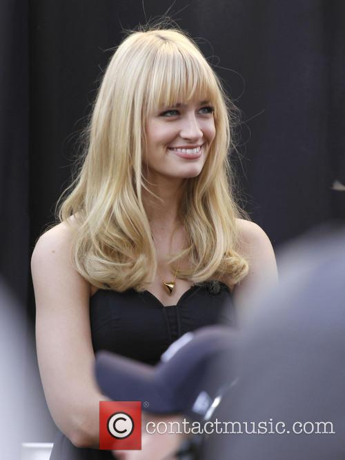 Beth Behrs and From 2 Broke Girls 3