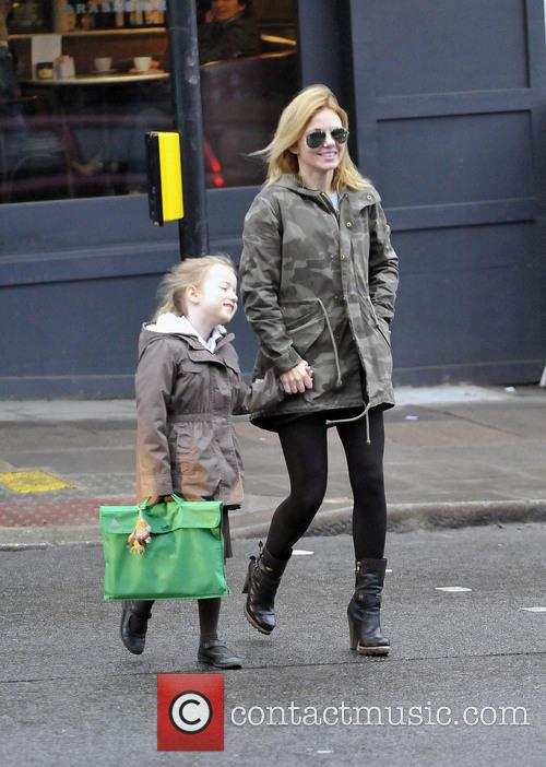 Geri Halliwell and Bluebell Halliwell 8