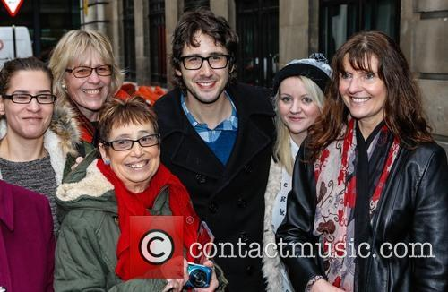 Josh Groban and Fans 5
