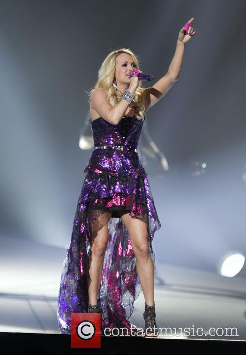 Carrie Underwood 34