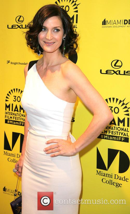 Carrie-anne Moss 3