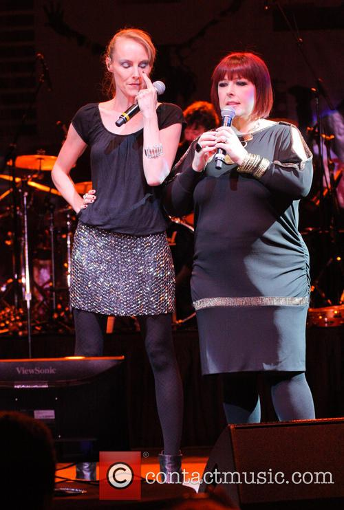 Carnie Wilson and Chynna Phillips 2