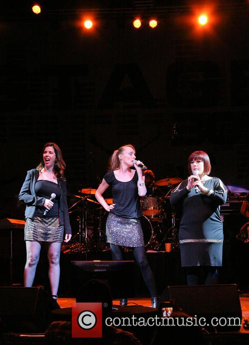 Carnie Wilson, Wendy Wilson and Chynna Phillips 9