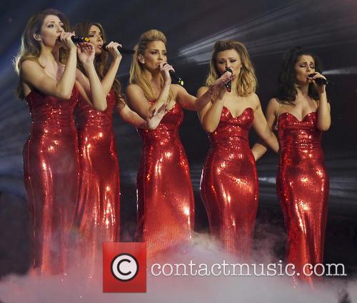 Nicola Roberts, Nadine Coyle, Sarah Harding, Kimberley Walsh and Cheryl Cole 6