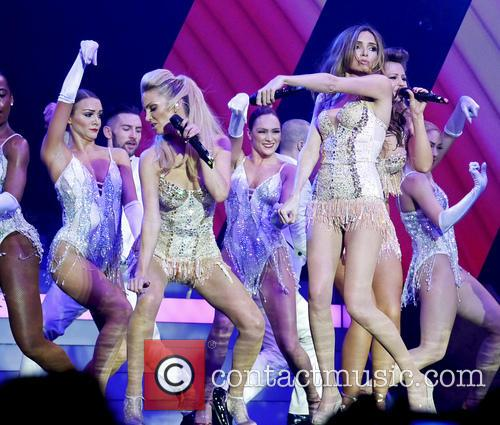 Sarah Harding and Nadine Coyle 2