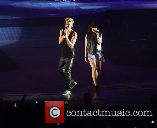 Carly Rae Jepsen and Cody Simpson 3