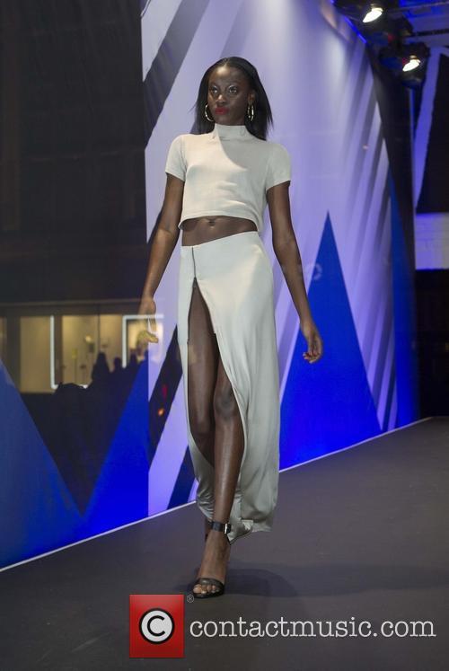 Rihanna and Model 6