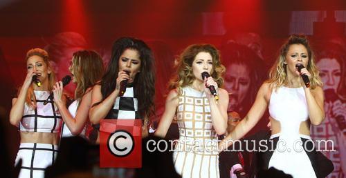 Sarah Harding, Nadine Coyle, Cheryl Cole, Nicola Roberts and Kimberley Walsh 4