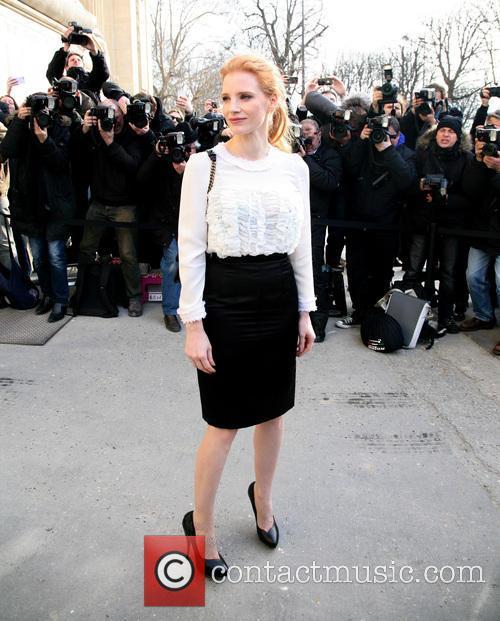 jessica chastain paris fashion week chanel 3540585