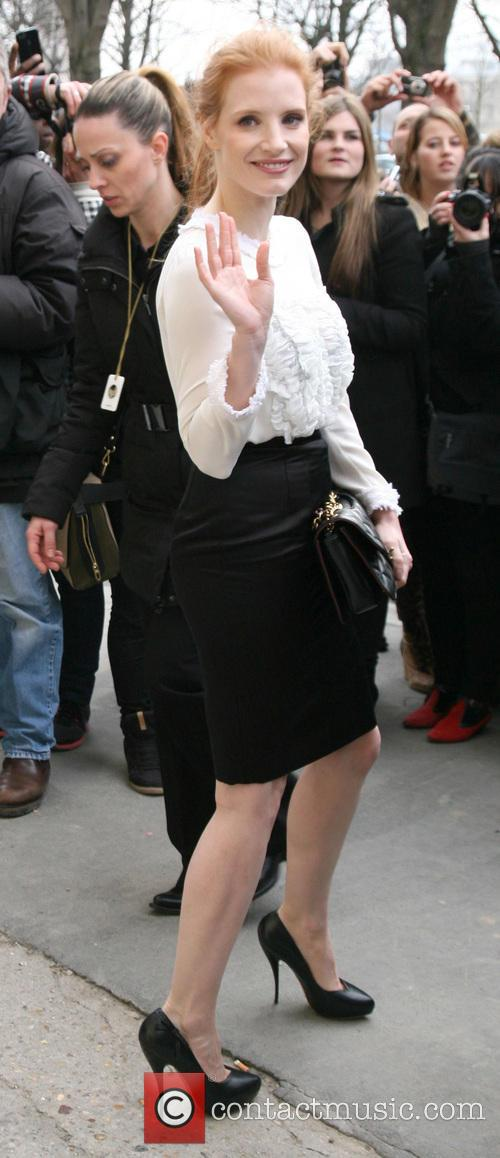 jessica chastain paris fashion week chanel 3540586