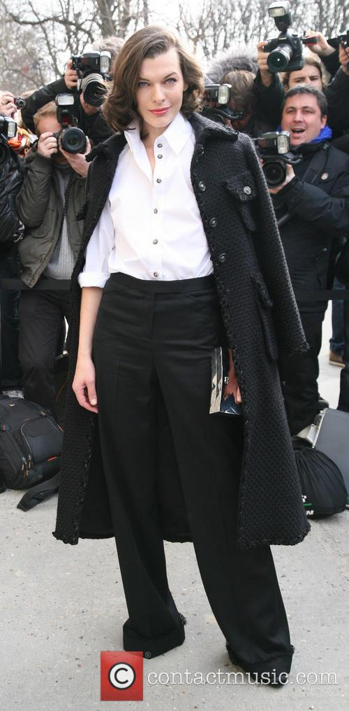 milla jovovich paris fashion week chanel 3540587