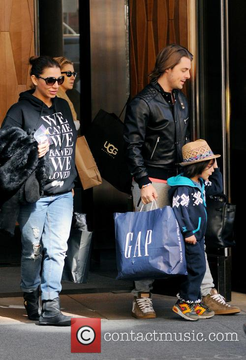 axwell celebrities outside their manhattan hotel in 3541289