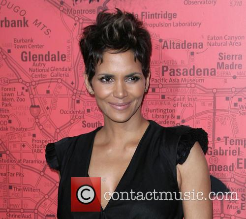 halle berry los angeles premiere of the 3541137