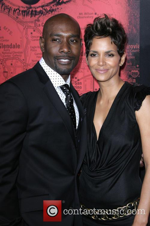 Morris Chestnut and Halle Berry 3
