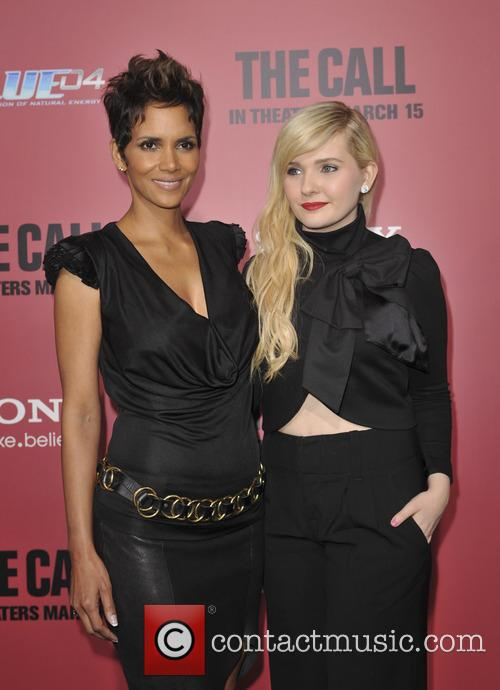 Halle Berry and Abigail Breslin 1